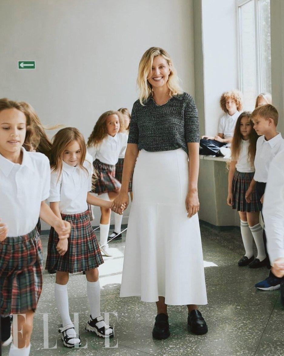 Елена Зеленская в образе учительницы / instagram.com/uafirstlady
