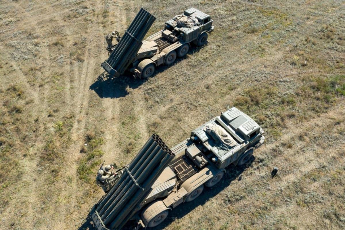 Поднятые по тревоге военнослужащие за считанные минуты привели оружие в боевую готовность / фото - ВСУ