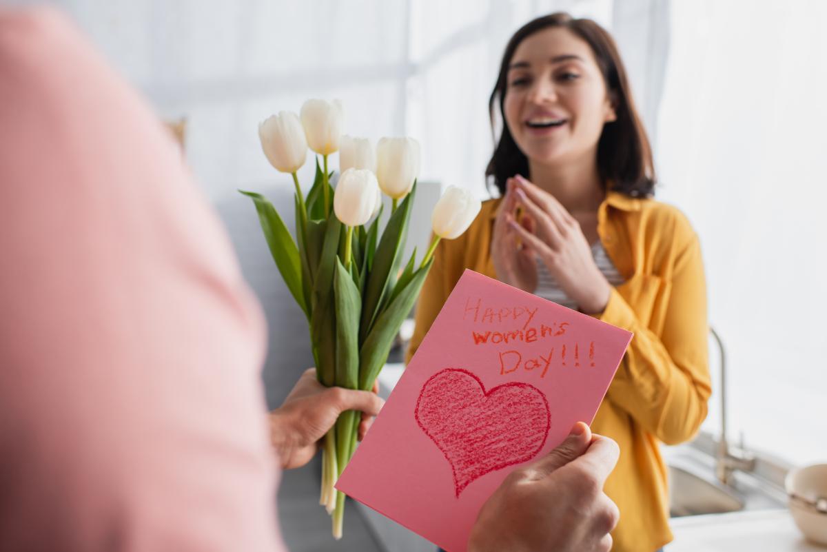 Українці можуть святкувати 8 березня без додаткового вихідного / фото ua.depositphotos.com