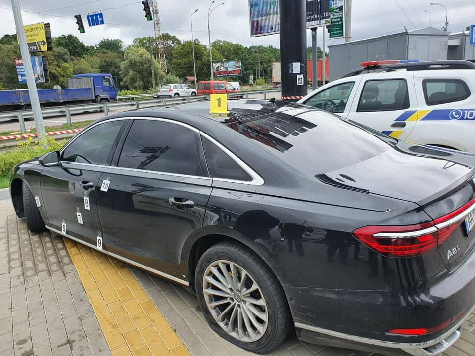 Невідомі обстріляли автомобіль Сергія Шефіра / фото facebook.com/pol.kyivregion