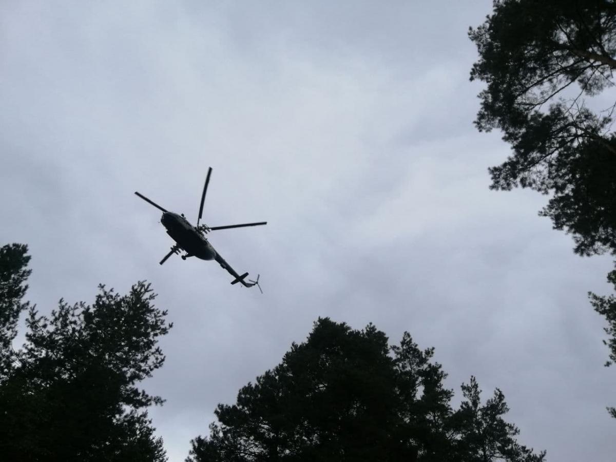 Возле места стрельбы летал вертолет Нацгвардии / фото УНИАН