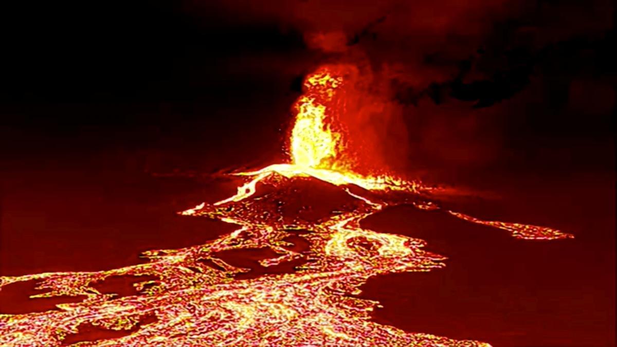 На Канарських островах вивергається великий вулкан / фото REUTERS