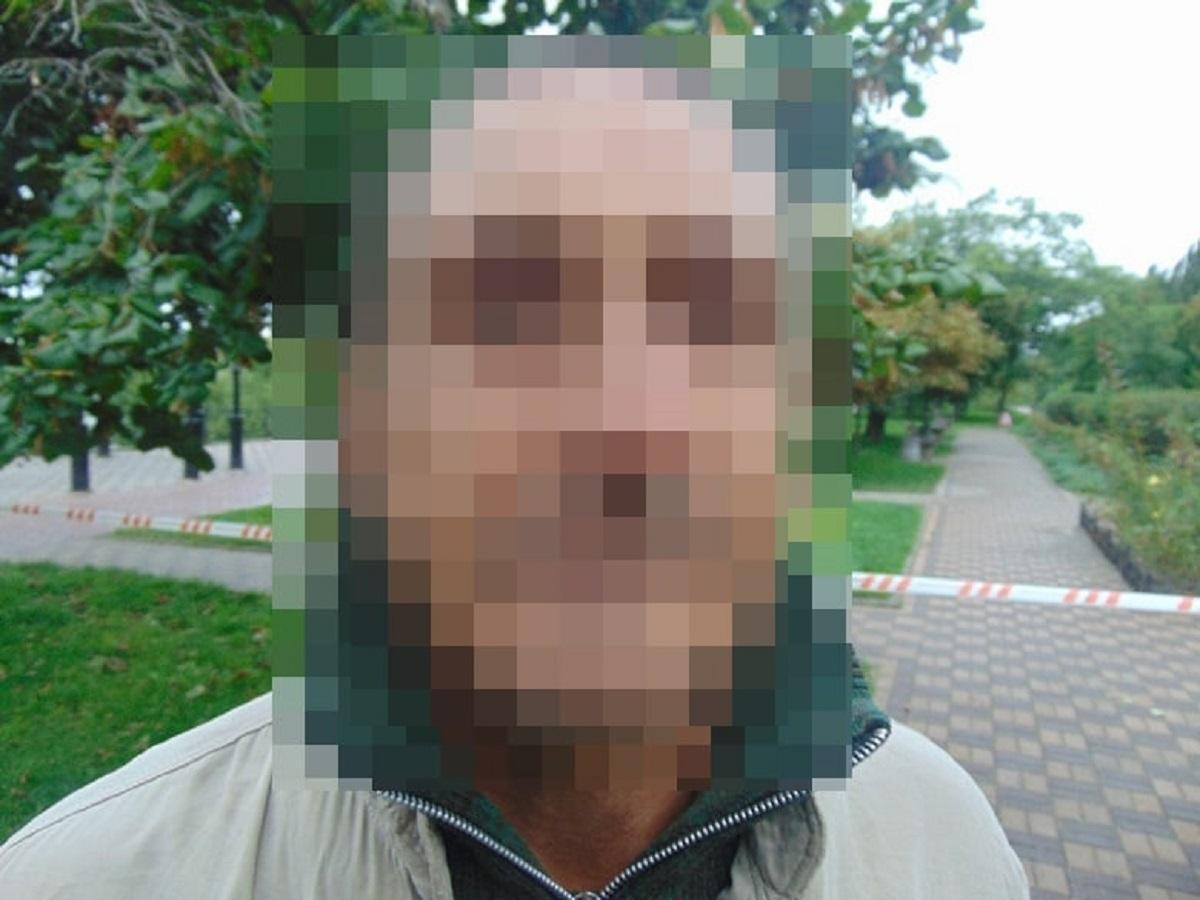 Задержанный с гранатой 48-летний местный житель ранее уже попадал в поле зрения правоохранителей / фото facebook.com/UA.KyivPolice