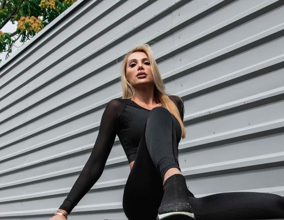 Модель Анна Гомонова / instagram.com/anna_gomonova_official