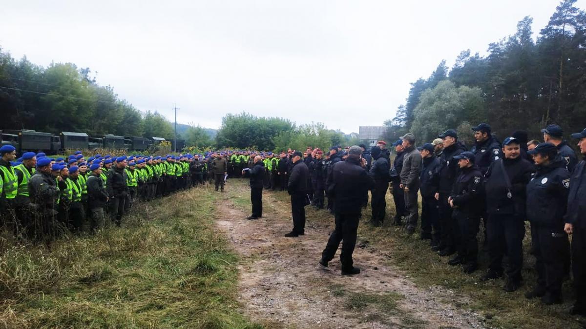 Правоохранители нашли дополнительные вещдоки по делу о покушении на Шефира /фото МВД