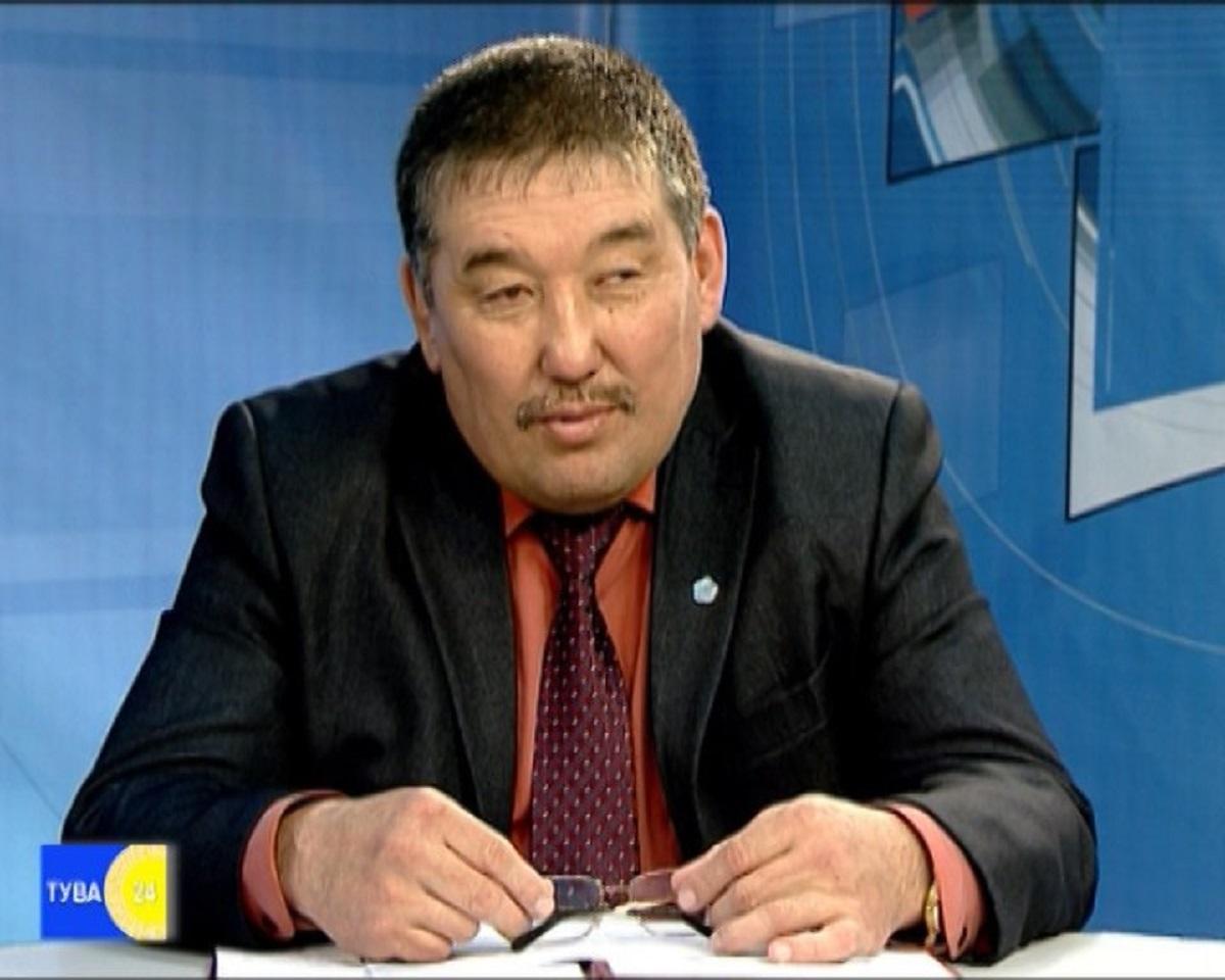 Юрій Тит-оол вбив дружину і намагався скоїти суїцид / фото vk.com/gov.tuva