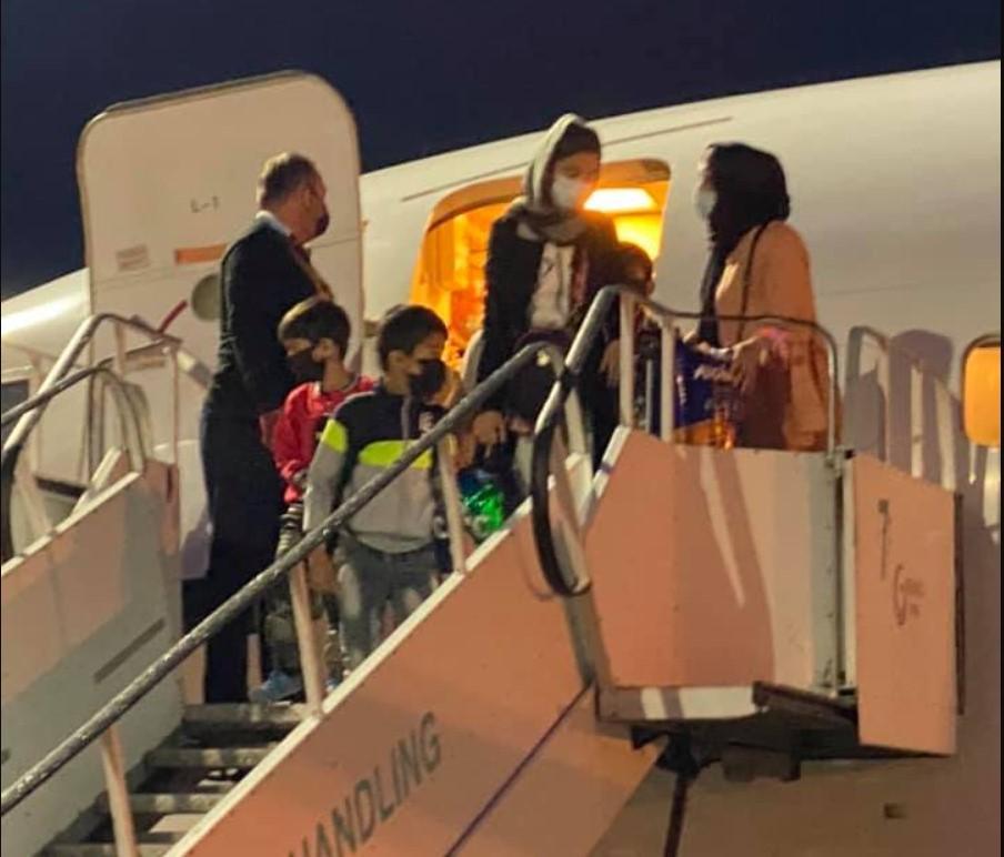 В Борисполе приземлился самолет с беженцами из Афганистана / фото Facebook / Андрей Юраш