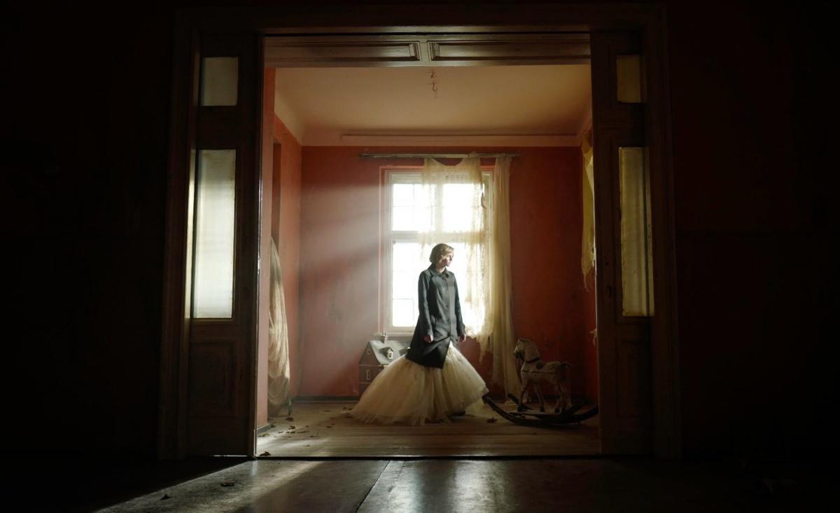 """Вышел новый трейлер фильма о принцессе Диане/ кадр из фильма""""Спенсер"""""""