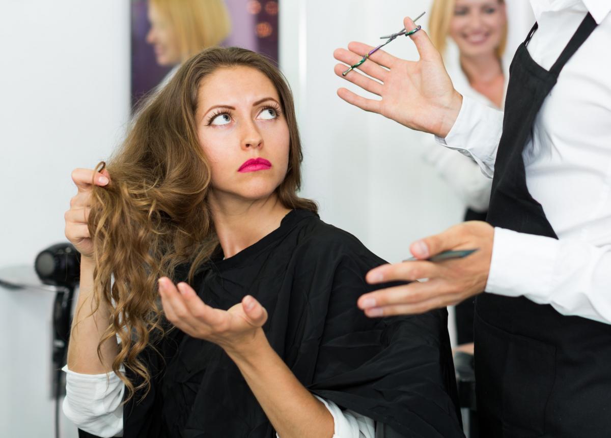 Клієнтка два роки судилася з перукарнеючерез знівечену долю / фото ua.depositphotos.com