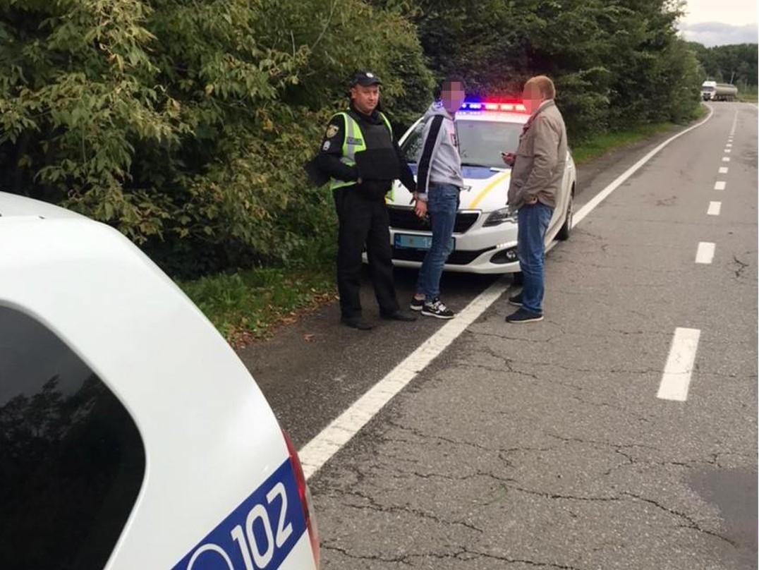 Поліція затримала підозрюваних у нападі на дівчину / фото прес-служба поліції Львівської області