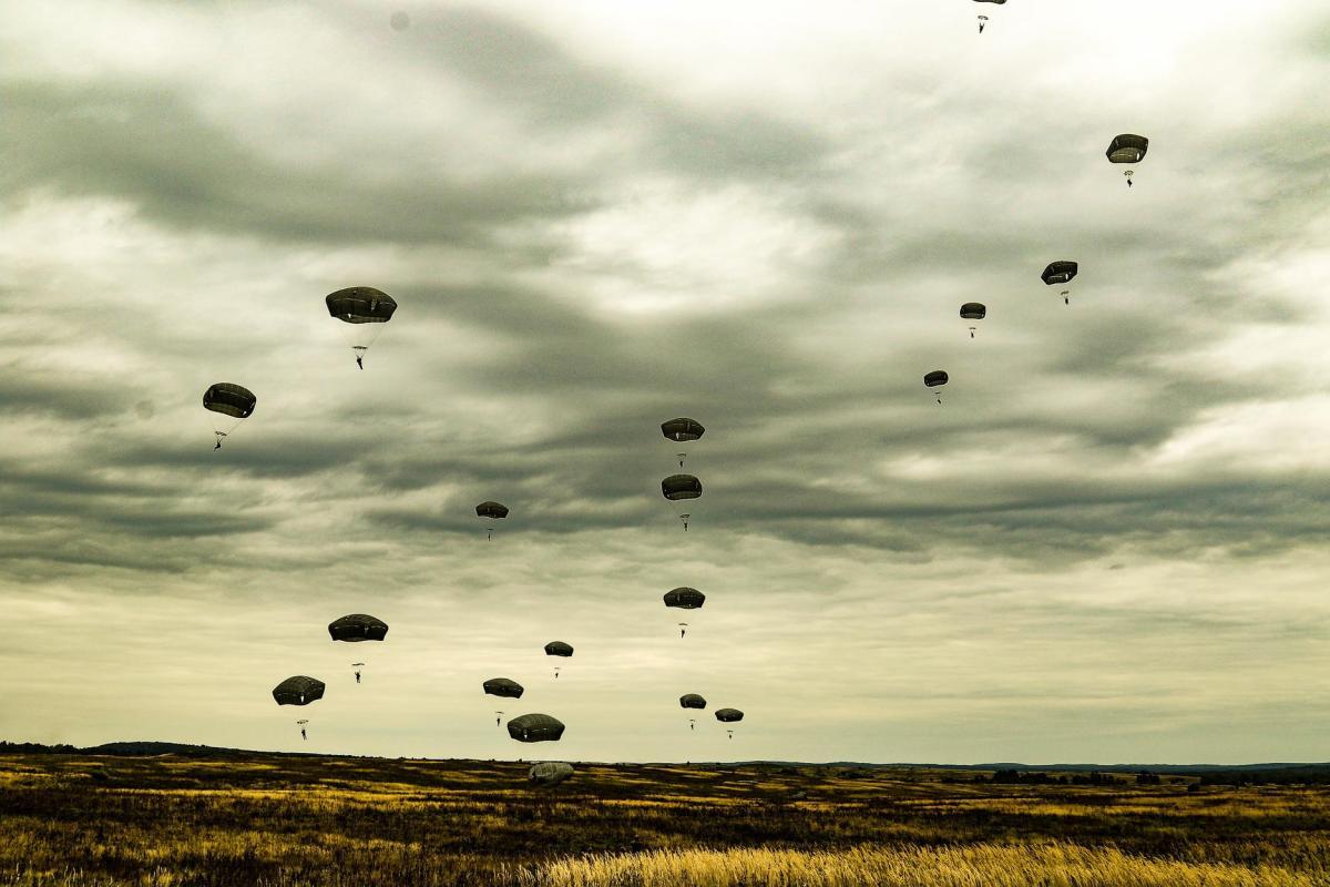 Накануне личный состав прошел соответствующую доподготовку под руководством инструкторов Вооруженных сил США / фото facebook.com/www.dshv.mil.gov.ua
