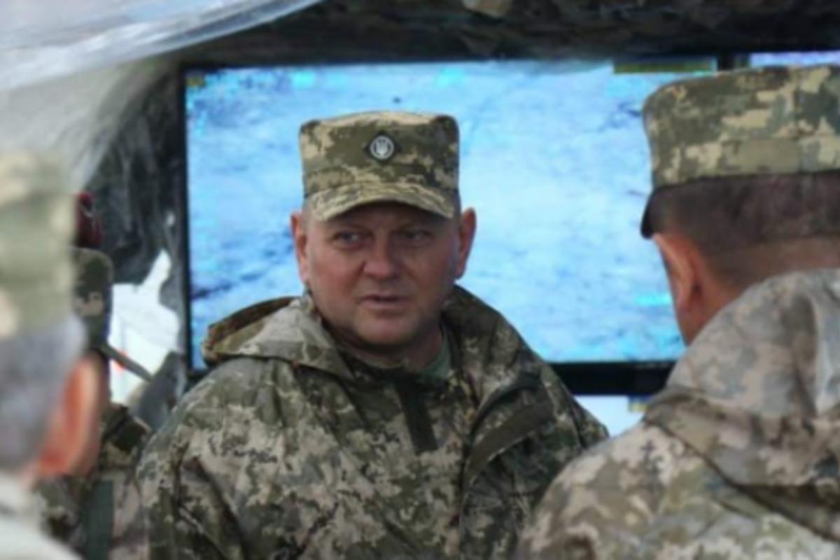 Валерий Залужный утверждает, что в зоне боевыхдействий на востоке Украины нет проблем с топливом / facebook.com/CinCAFU