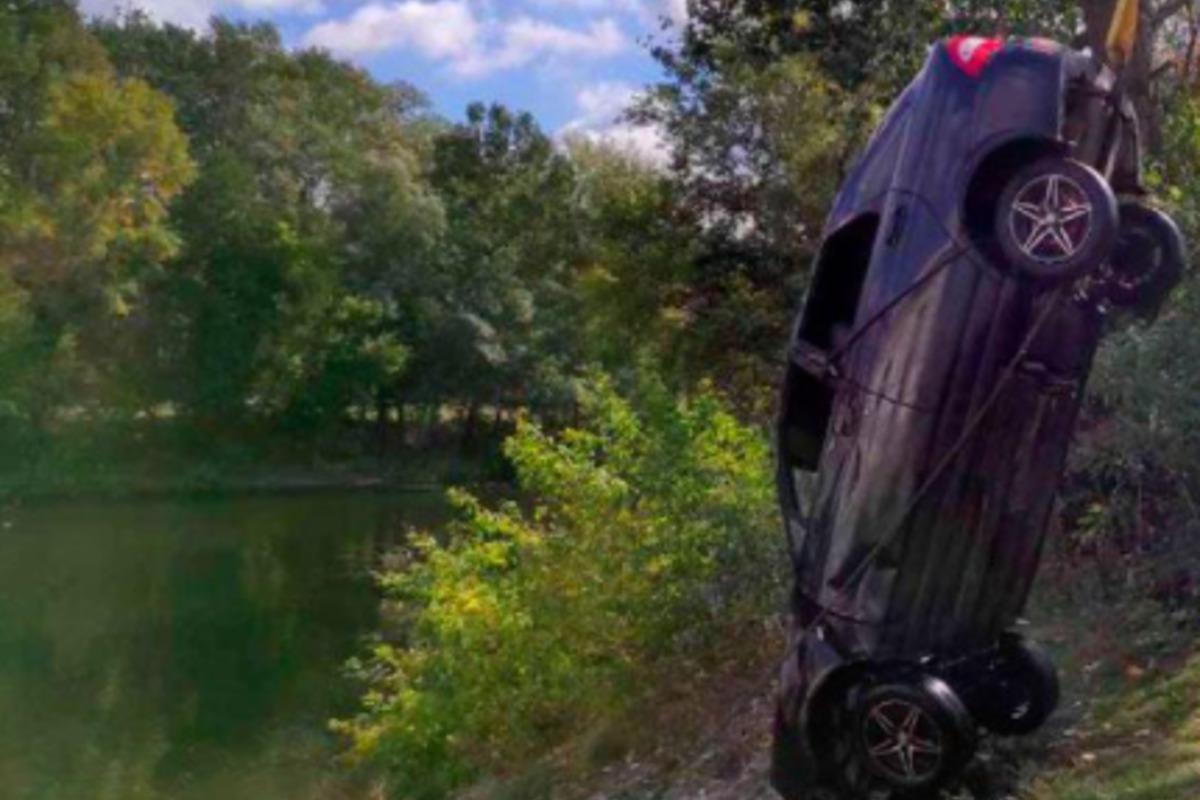 На Полтавщине легковое авто оказалось в реке, погибли три человека / фото pl.npu.gov.ua