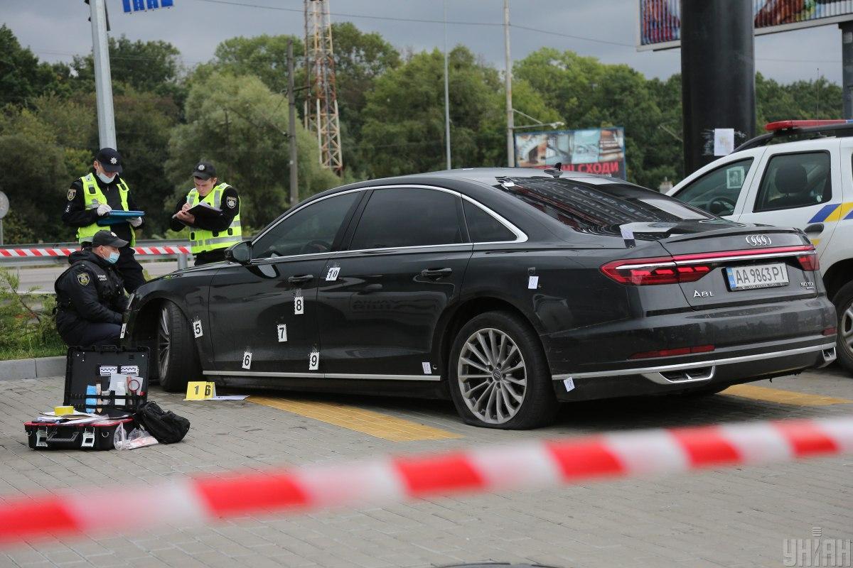 Поранений водій доїхав до парковки супермаркетуітільки там зупинився/ фото УНІАН, Віктор Ковальчук