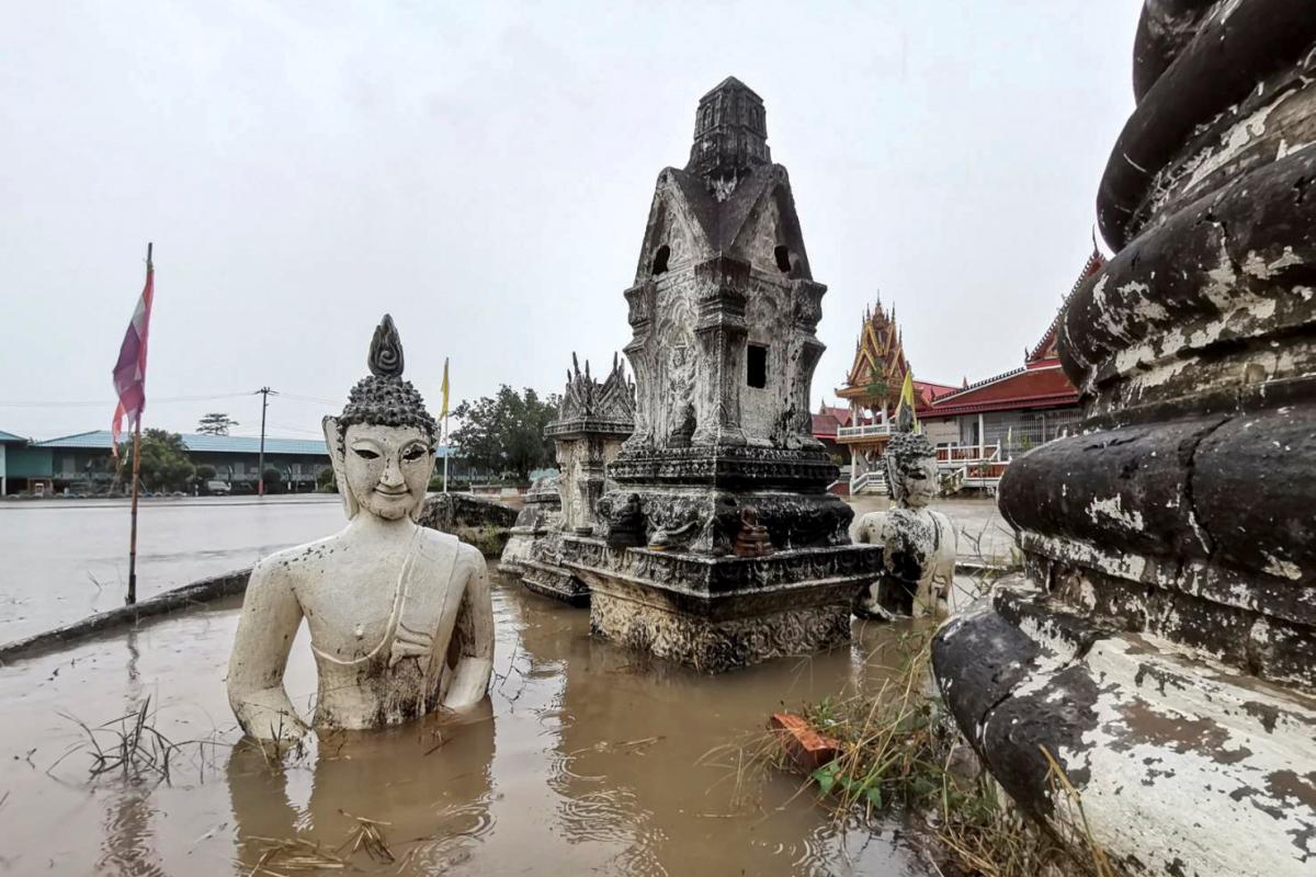 Таиланд страдает от наводнений / фото REUTERS