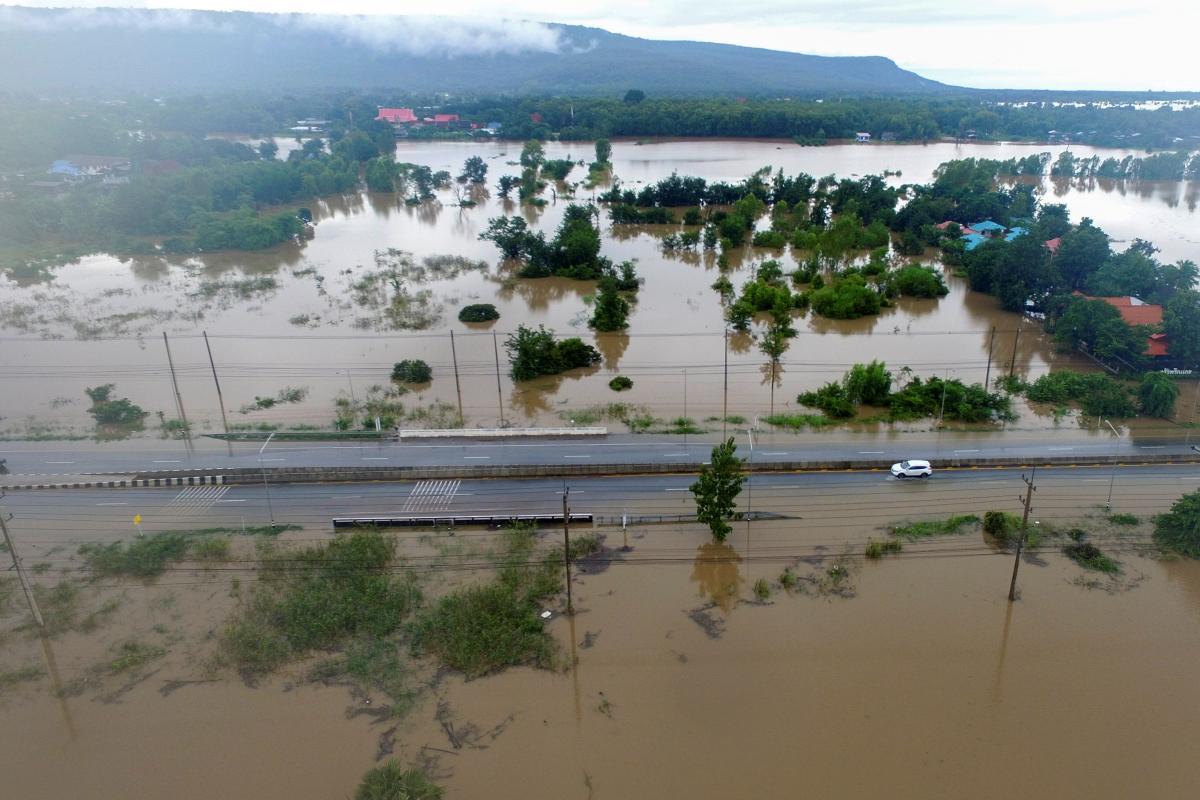Треть территории Таиланда уже пострадали от наводнений / фото REUTERS