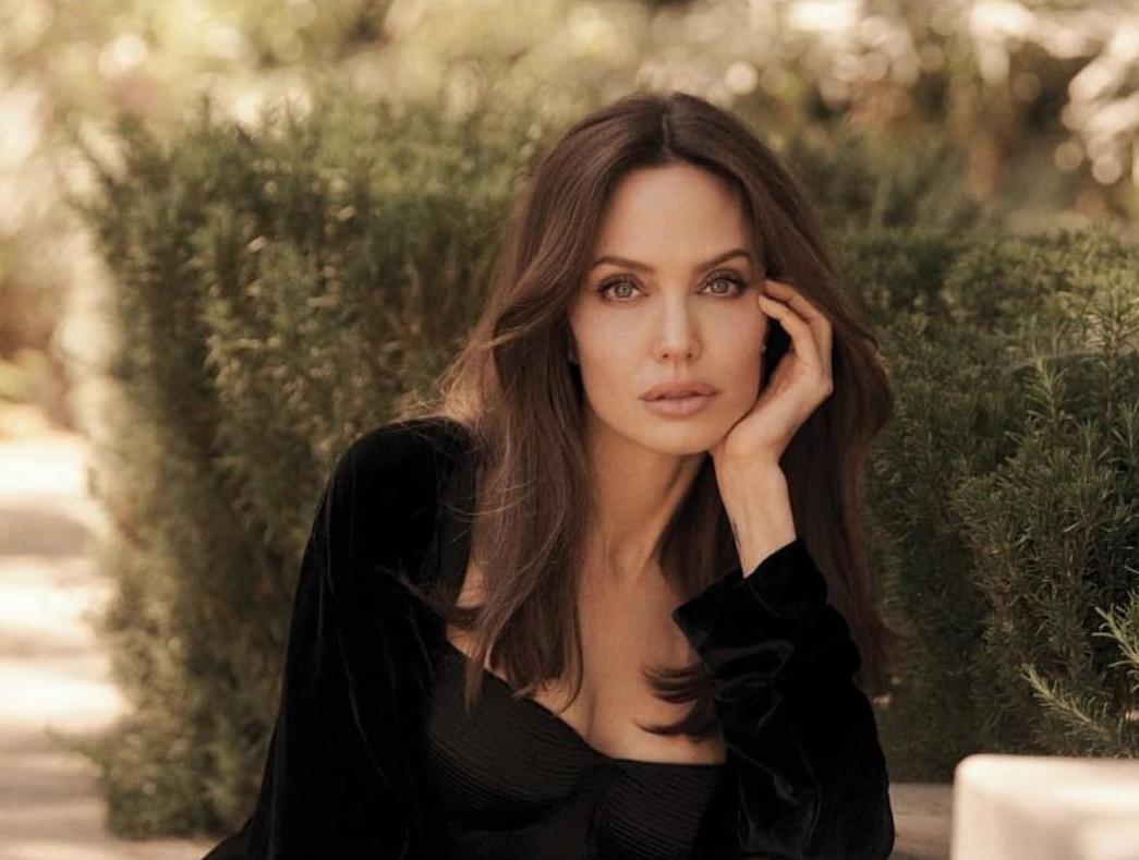 Джолі закрутила новий роман / instagram.com/angelinajolie_offiicial
