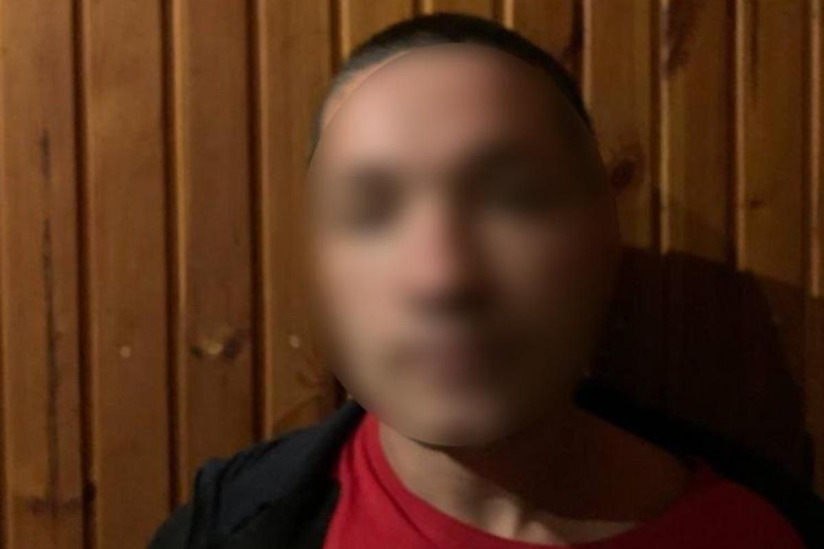 Правоохранители задержали организатора банды похитителей элитных авто / фото kv.npu.gov.ua