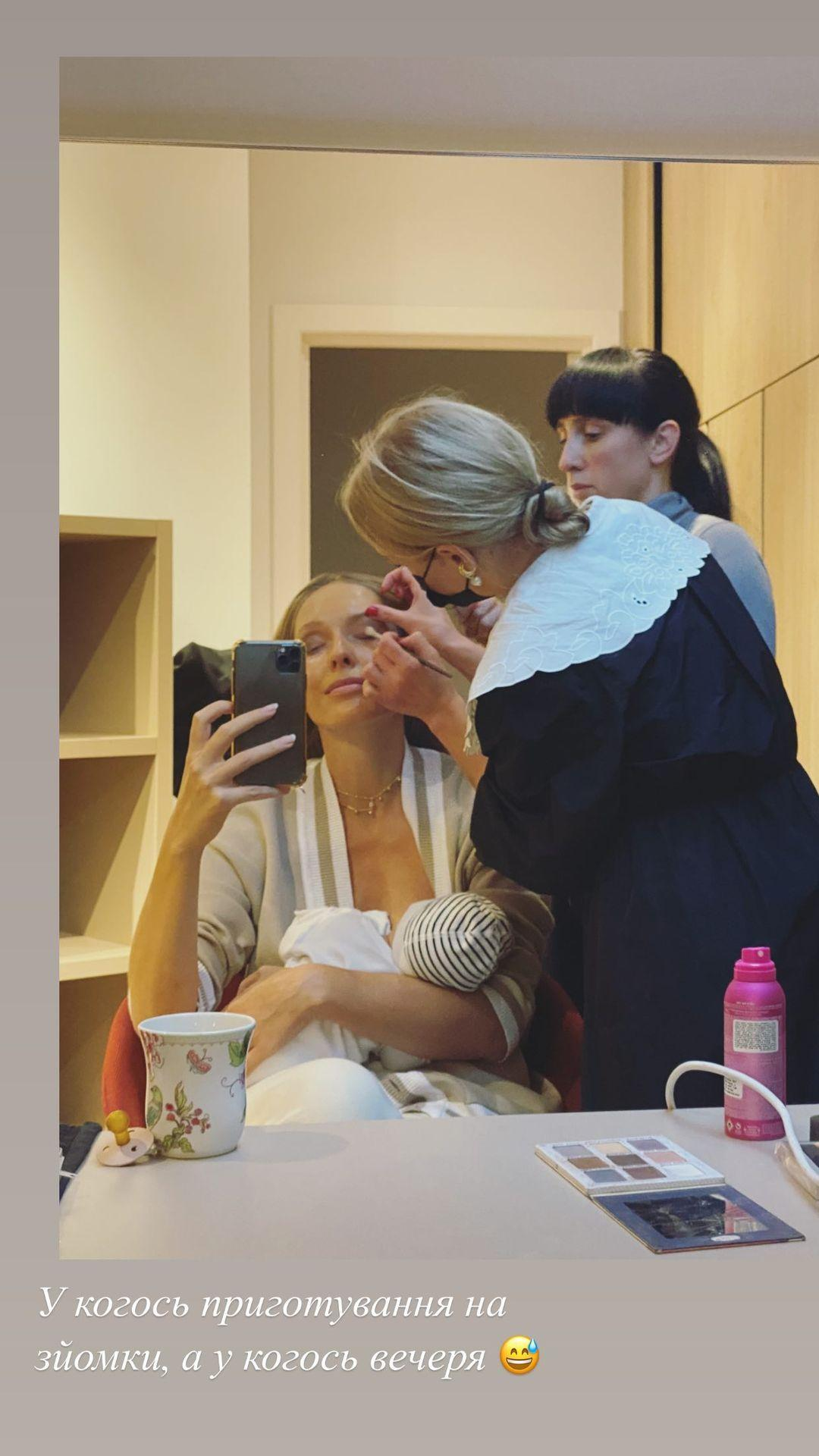 Катерина Осадчая покормила сына грудью на камеру / фото instagram.com/kosadcha