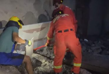 В Китае из-за землетрясения разлилось 200 тонн водки (видео)