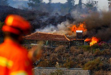 Извержение вулкана на Канарах: уничтожено более 180 домов (фоторепортаж)