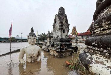 В популярном у украинских туристов Таиланде начались масштабные наводнения (фото, видео)