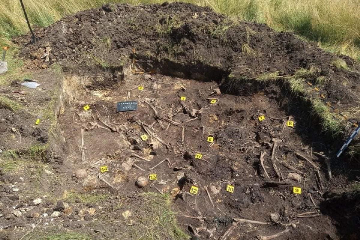 """Специалисты обнаружили среди останков нескольких бойцов их мелкие вещи / фото - Мемориально-поисковый центр""""Доля"""""""
