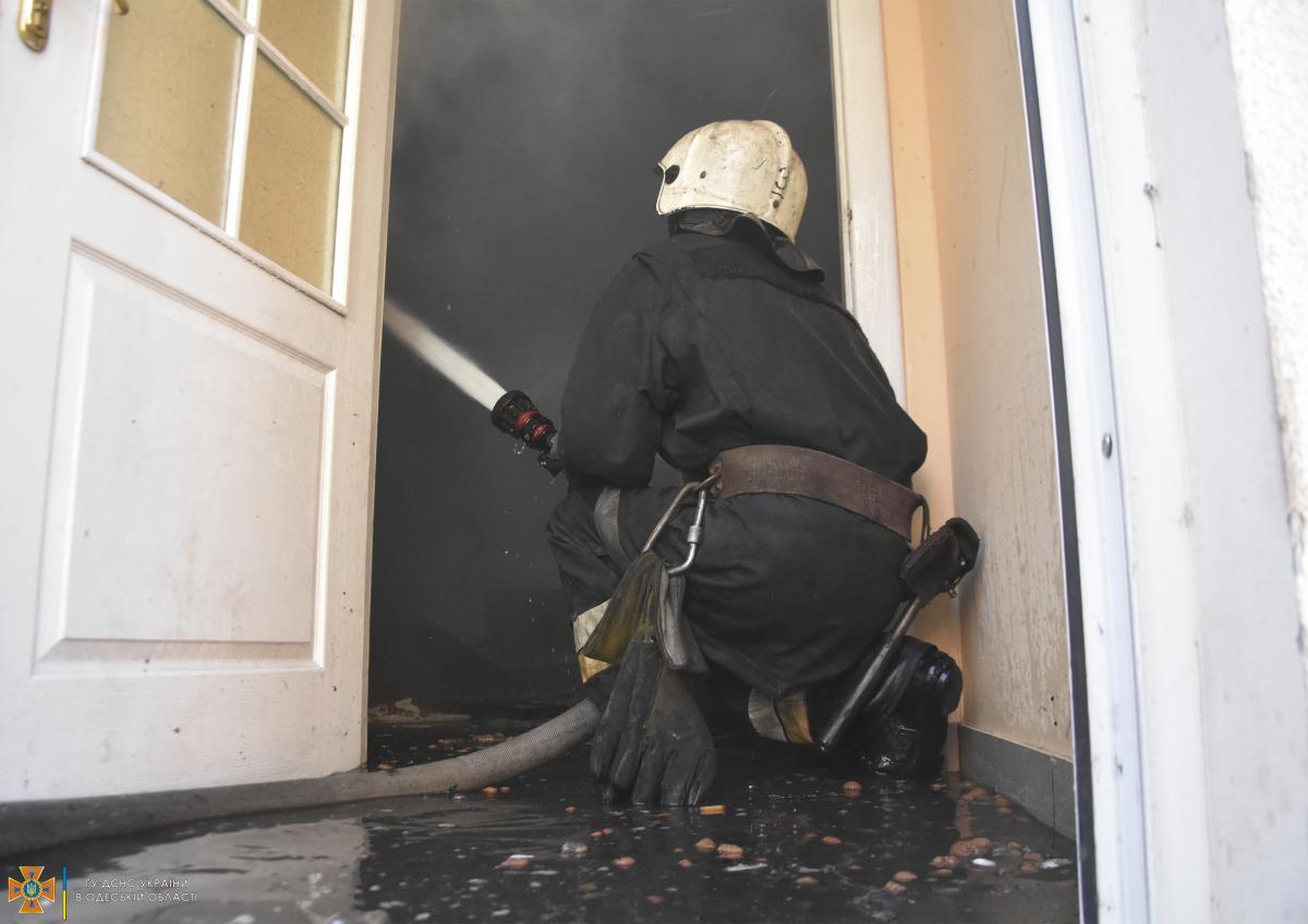 В Одессе чуть не сгорел вуз / фото ГСЧС
