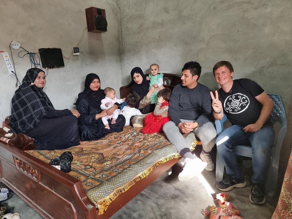 Дмитрий Комаров в Пакистане / фото пресс-службы 1+1