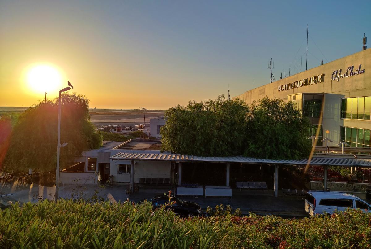 Перевірка в аеропортах Кіпру проходить досить швидко / фото Марина Григоренко