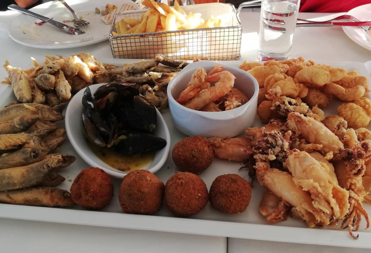 Рыбный ресторан Psarolimano / фото Марина Григоренко