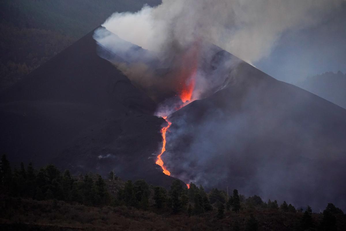 Извержение вулкана на острове Ла-Пальма / фото REUTERS