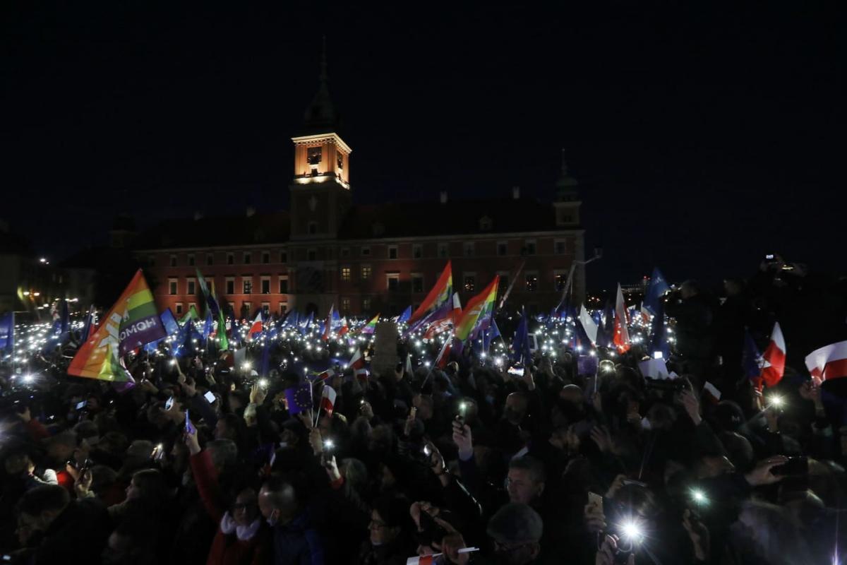 10 октября в Польше прошли акции протеста / фото Twitter/Donald Tusk