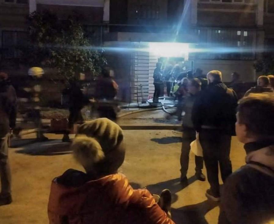 Под Киевом мужчина получил ожоги, когда поджог дверь квартиры экс-жены/ скриншот