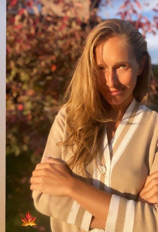 Катя Осадчая показала, как выглядит в домашней обстановке / фото instagram.com/kosadcha