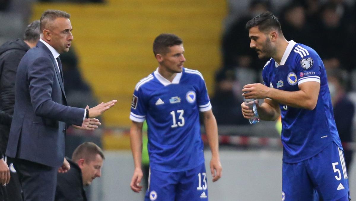 Гойко Цимірот (у центрі) грав у всіх матчах кваліфікації ЧС-2022 / фото REUTERS