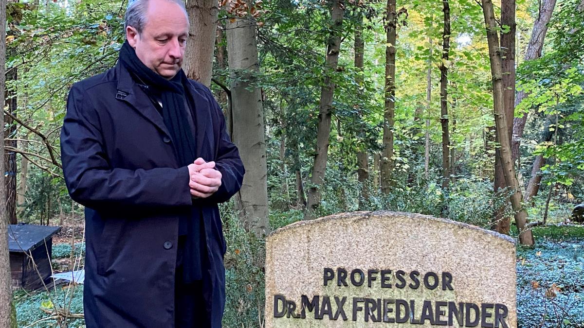 На месте могилы музыковеда Макса Фридлендера установленонадгробие,объявленное памятником архитектуры / фото EKBO