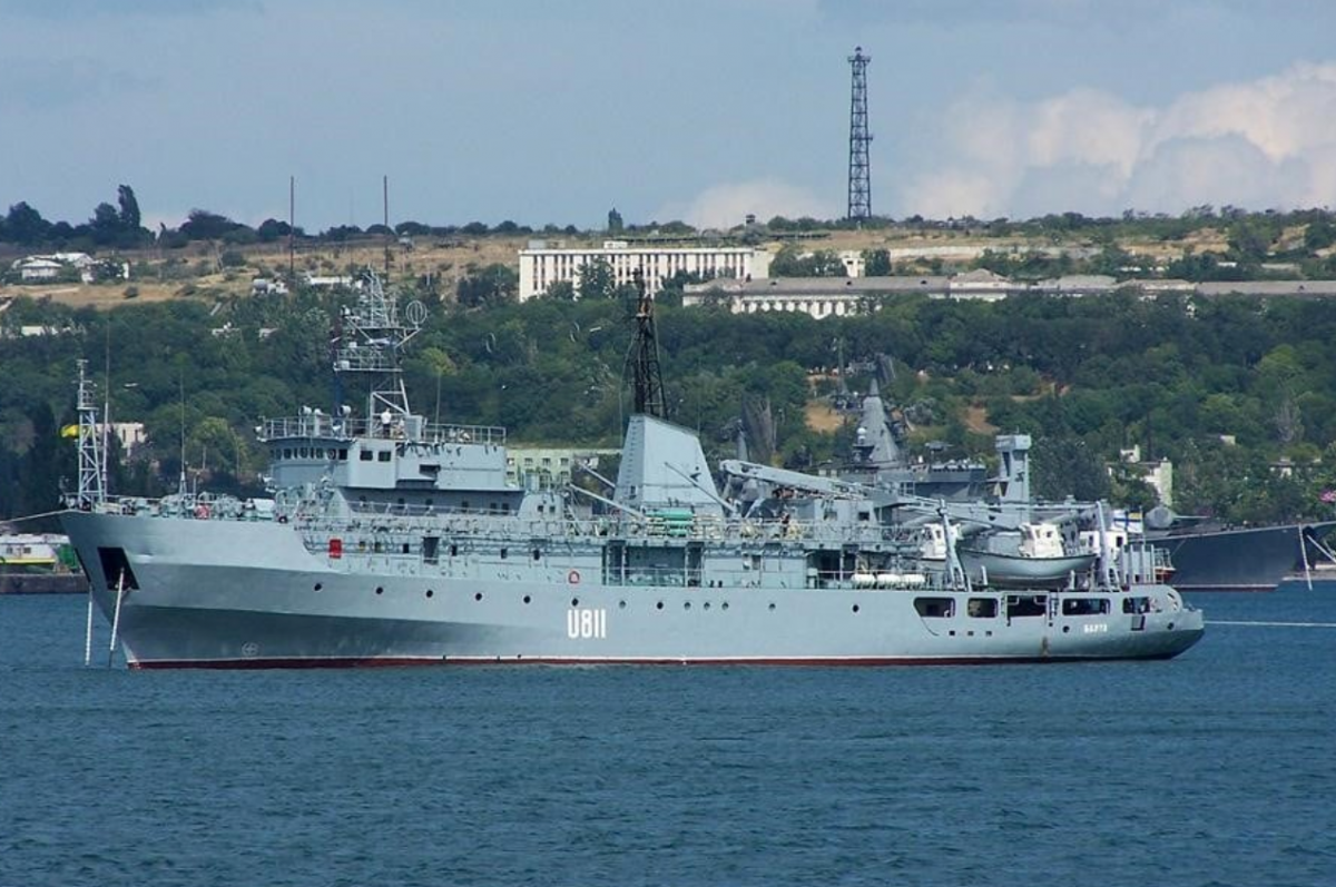 """Корабель ВМС України U-811 """"Балта"""" / фото Facebook Михайла Забродського"""