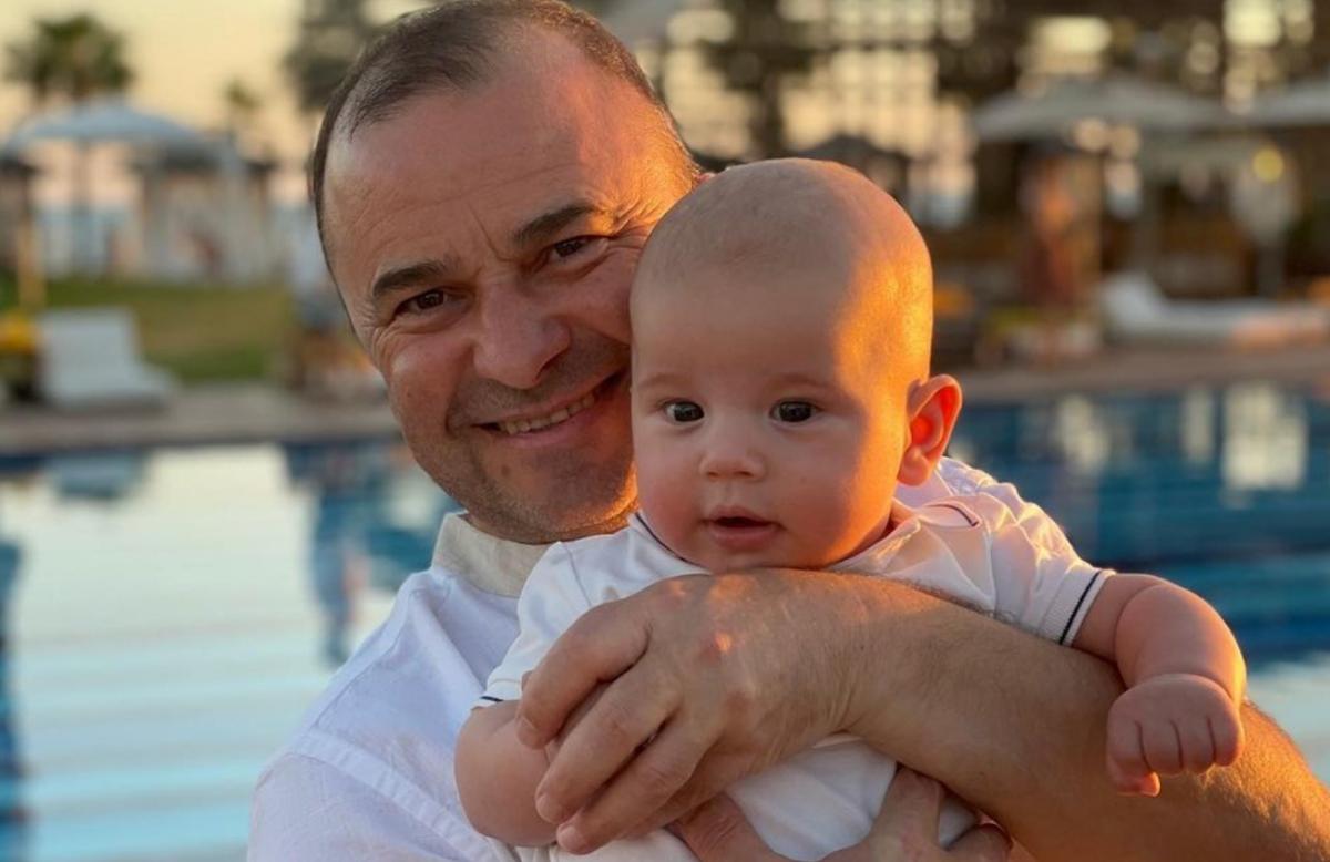 Виктор Павлик с младшим сыном / фото instagram.com/viktorpavlik