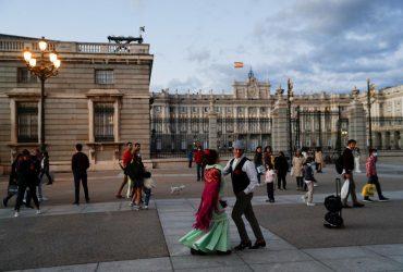 """МЗС докладає зусиль, щоб українці змогли подорожувати в ЄС у разі виключення із """"зеленого"""" списку"""