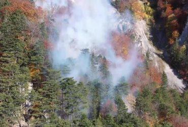 В австрийских Альпах бушует один из самых мощных пожаров в истории региона (видео)